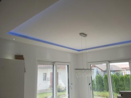Deckensegel mit integrierter LED Beleuchtung